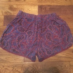 Mossimo cute purple floral shorts with lace XS.